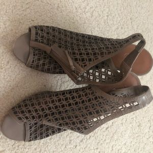Halogen Vero Cuoio from Nordstrom! Gently used.
